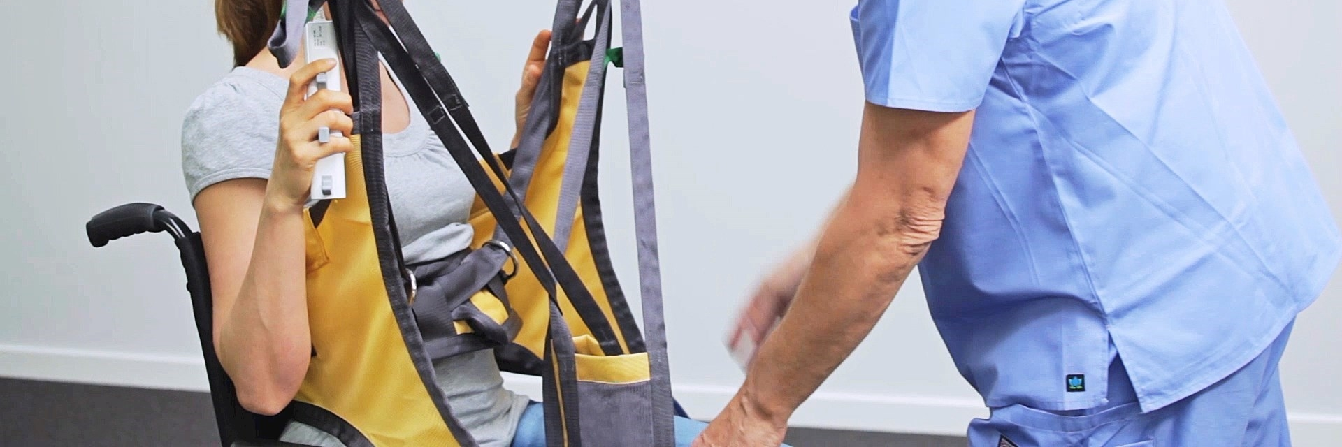 Active Micro Sling instruction - How to put the sling on / how to take the sling off in wheelchair