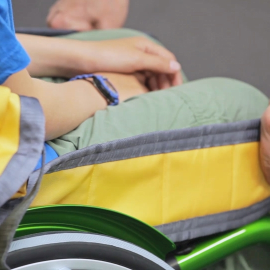 Kid Basic Basic sling instruction video - How to put on / take off the sling in wheelchair
